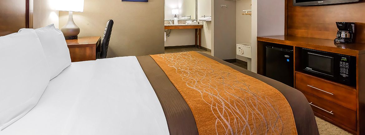 Comfort Inn Santa Monica -West Los Angeles offering Accessible King - HNK