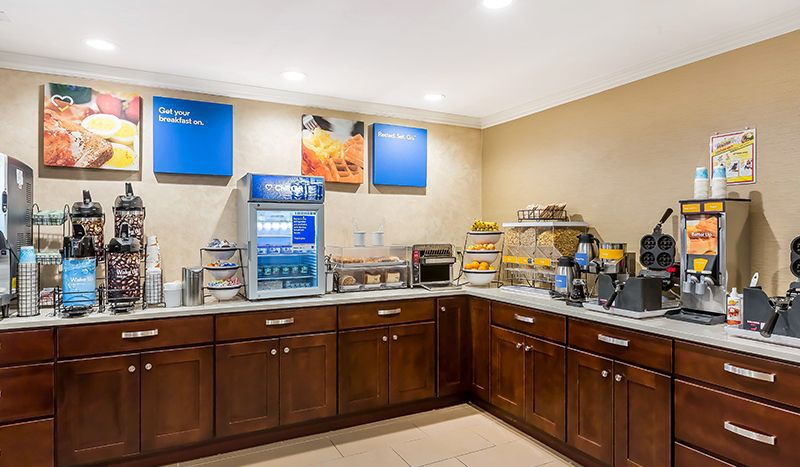 Comfort Inn Santa Monica-West Los Angeles offering Complimentary Hot Breakfast